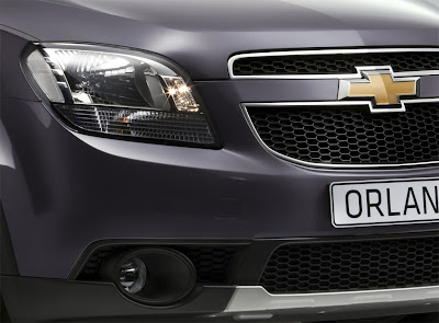 2011 Chevrolet Orlando Headlight and Badge