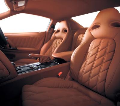 2011 Nissan GT-R Seats