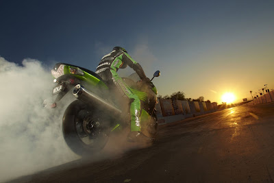 2011 Kawasaki Ninja ZX-14 Wallpaper