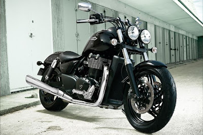 2011 Triumph Thunderbird Storm Photos