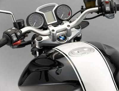 2011 BMW R 1200R Classic Dashboard View