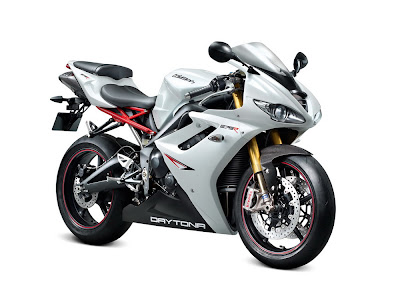 2011 Triumph Daytona 675R Photos