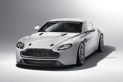 2011 Aston Martin Vantage GT4 Photos
