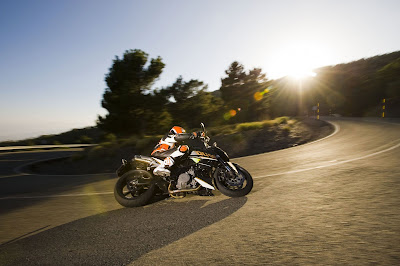 2011 KTM 990 Super Duke Wallpaper