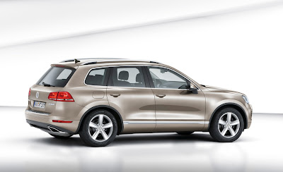 2011 Volkswagen Touareg Rear Side View