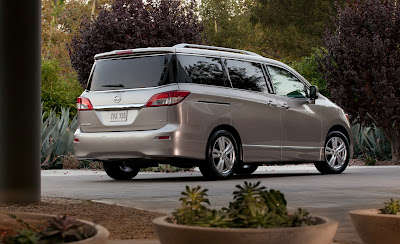 2011 Nissan Quest Rear Angle View