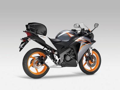 2011 Honda CBR125R Sportbike