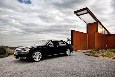 2011 Chrysler 300 First Look
