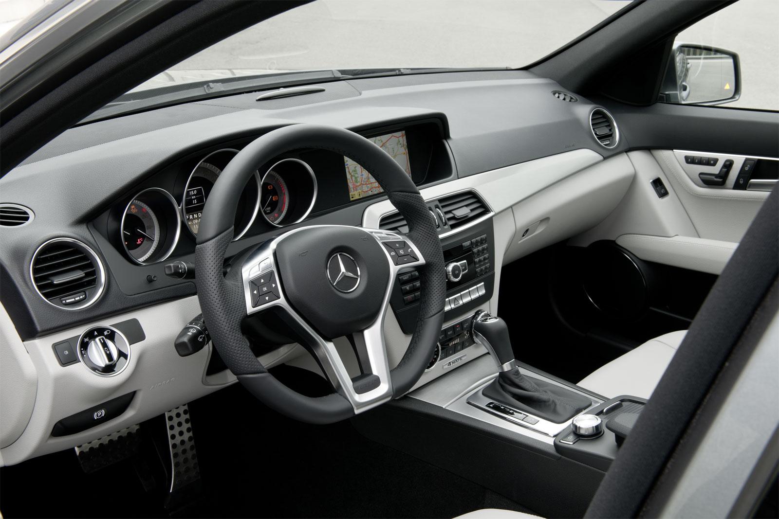 http://2.bp.blogspot.com/_J3_liDBfbvs/TRvBnqj-BoI/AAAAAAAA02o/z0W0fte7R_g/s1600/2012%2BMercedes-Benz%2BC-Class%2BDashboard%2BView.jpg