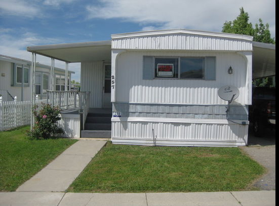 Camelot Mobile Home Park 2 Bedroom Bath Extended Living Room Central Air 11000 Finance 1000 Down 23371 Per Month