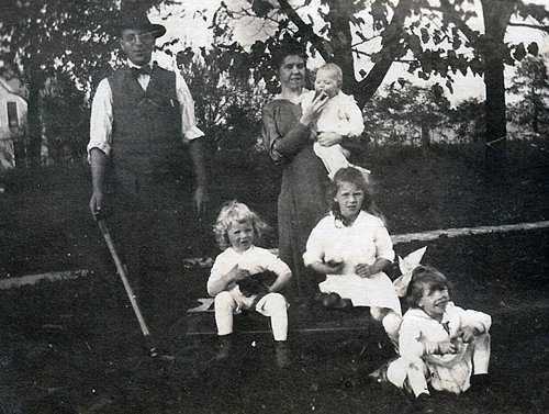 Joe and Anna Stehle Family 1917