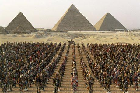 extraterrestre et pyramide
