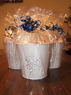 Creative holiday gift ideas hot chocolate buckets - Gift ideas with chocolate ...