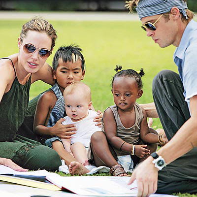 Angelina Jolie Brad Pitt With Kids