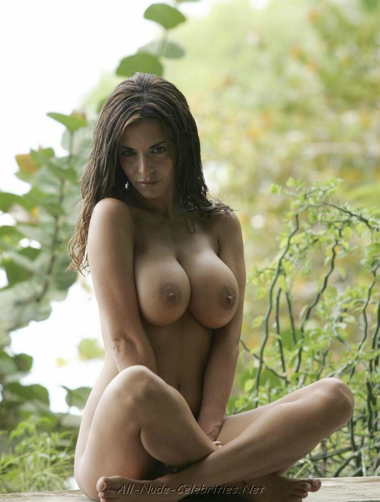 Lucy Becker Nude