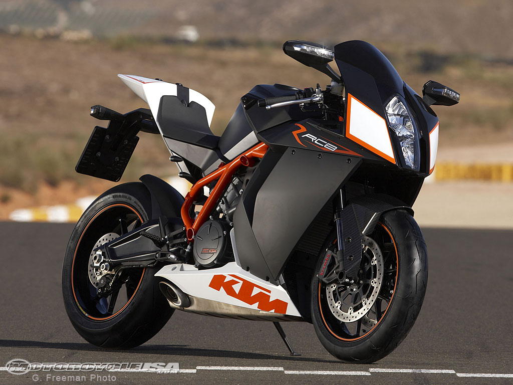 KTM RC8 R Black Edition