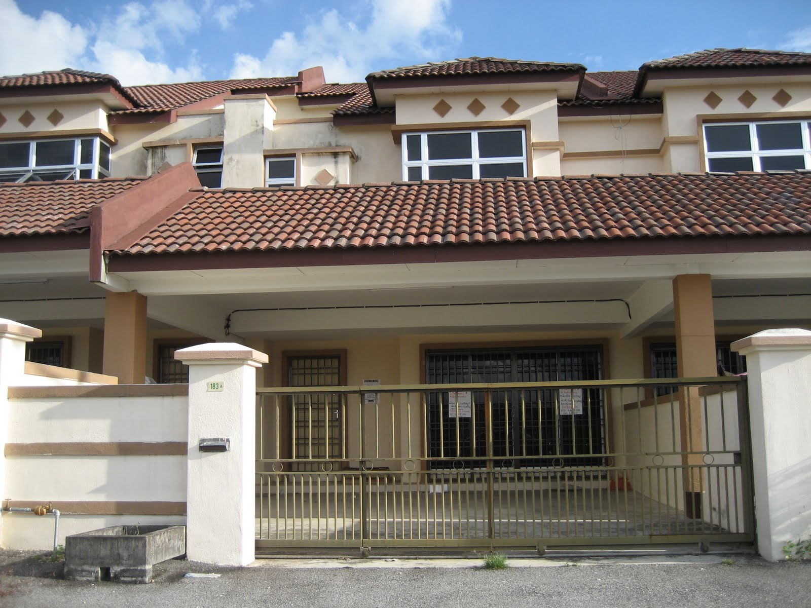 kampar mature singles Kampar is also home for the main campus of universiti tunku abdul rahman (utar) to cater for the many students, there is a wide array of restaurants, cafes and convenience shops, all located near the hotel.