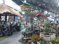 Parklea Market - stalls