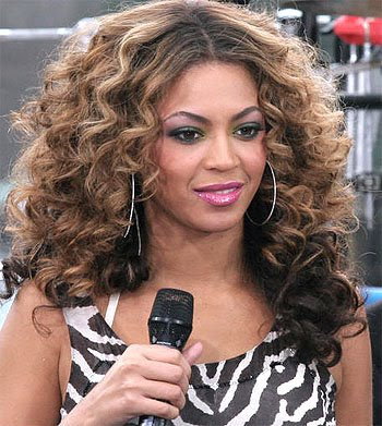 2007 Funky celebrity Hairstyles With Big Wavy Curls