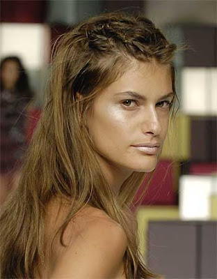 Pictures for 2010 Long Loose Spring Hairstyles