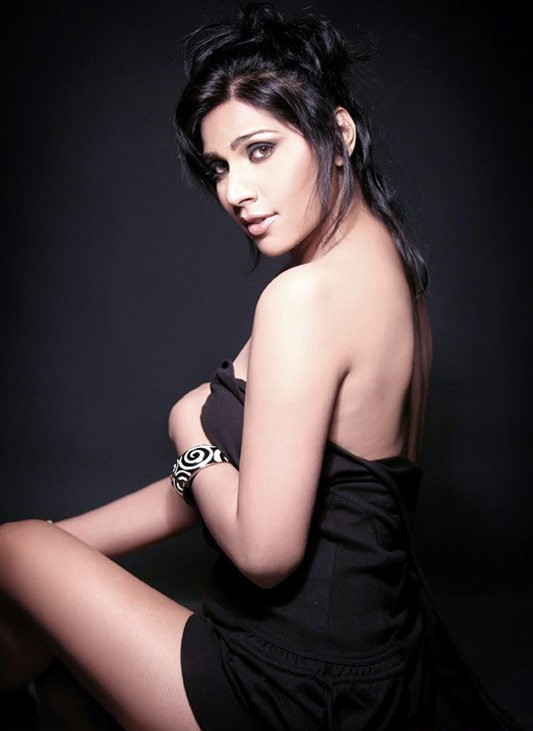 Bollywood Hot and Sexy Neesha Singh Showing Deep Cleavage sexy stills