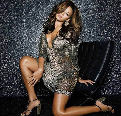 Beyonce Knowles Shows Some Skin
