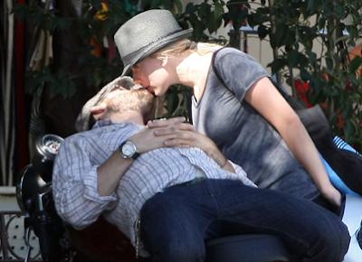 Scarlett Johansson Wedding Pictures on Ryan Reynolds And Scarlett Johansson Were Reported To Have Finally