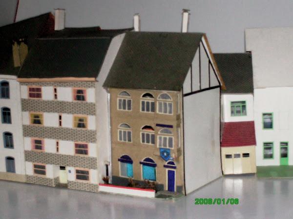 une maison 1930 avec une avancée de façade
