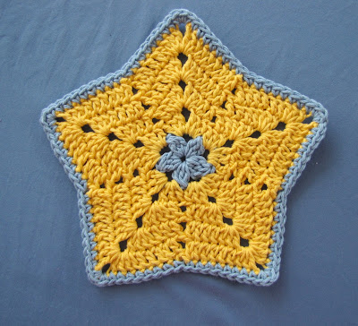 Free Crochet Star Dishcloth Pattern : BellaCrochet: Little Star Dish Cloth or Wash Cloth: a Free ...