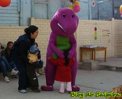 michael jackson pegando as criancinhas
