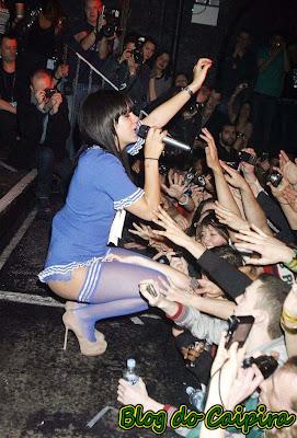 lily allen show fãs