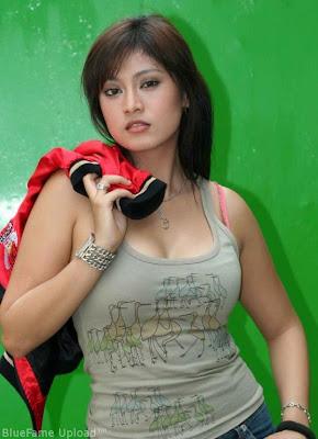 Toket Perawan Actress indo seksi Ayu Anjani