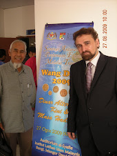 Hj Awaludin & Kelantan Golden Trade CEO,Prof Vadillo at Sedinar 09