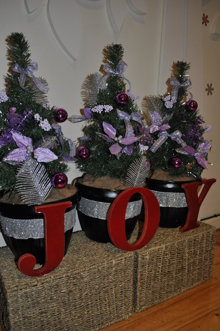 Christmas joy planters the creative pineapple doin it the christmas joy planters solutioingenieria Choice Image