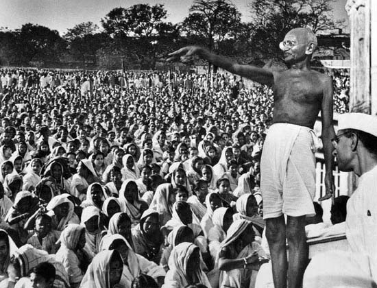 role of gandhi in indian independence essay