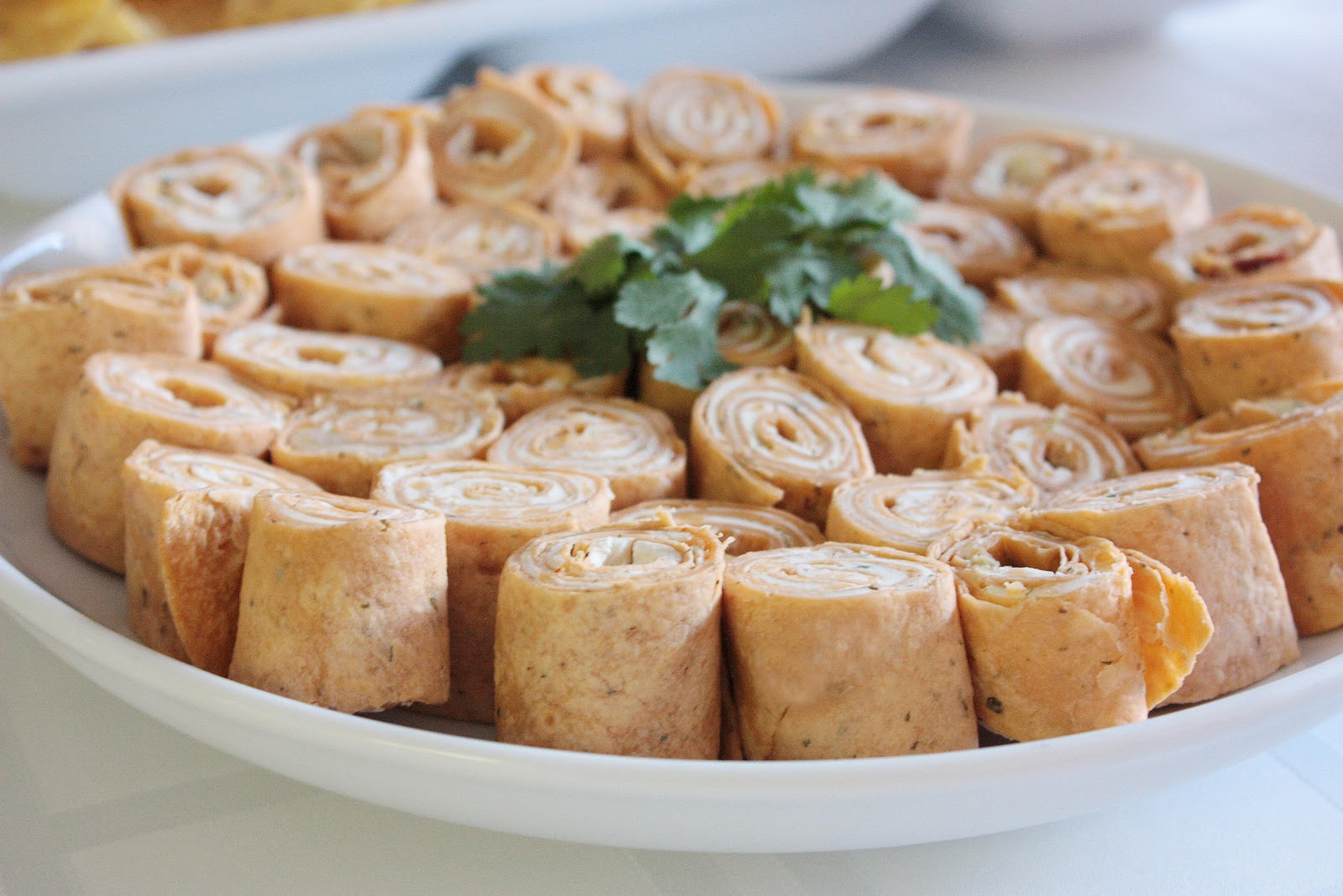 Momma Hen's Kitchen: Tortilla Roll-Ups