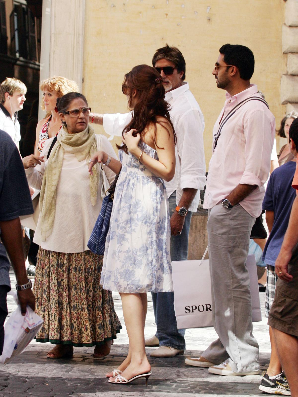 http://2.bp.blogspot.com/_JLsceq2AayQ/TFMMElTSdNI/AAAAAAAADNM/pf6arZdhDY4/s1600/Bachchan-8.jpg