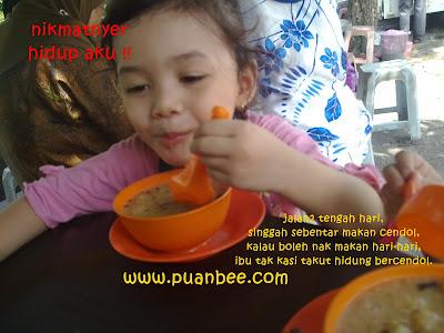 13012011566 - Minta tolong like gambar una join contest aksi makan !