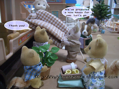 Sylvanian Families Story - moving furniture.