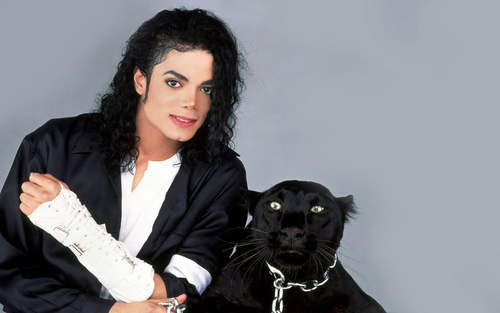 http://2.bp.blogspot.com/_JQXHFiGhZrU/TBUtkqhkWyI/AAAAAAAAAI8/K0gf-JinmCE/s1600/michael-jackson-and+cat.jpg