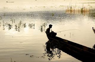 Hilarious Jokes - Fishing in a Lake