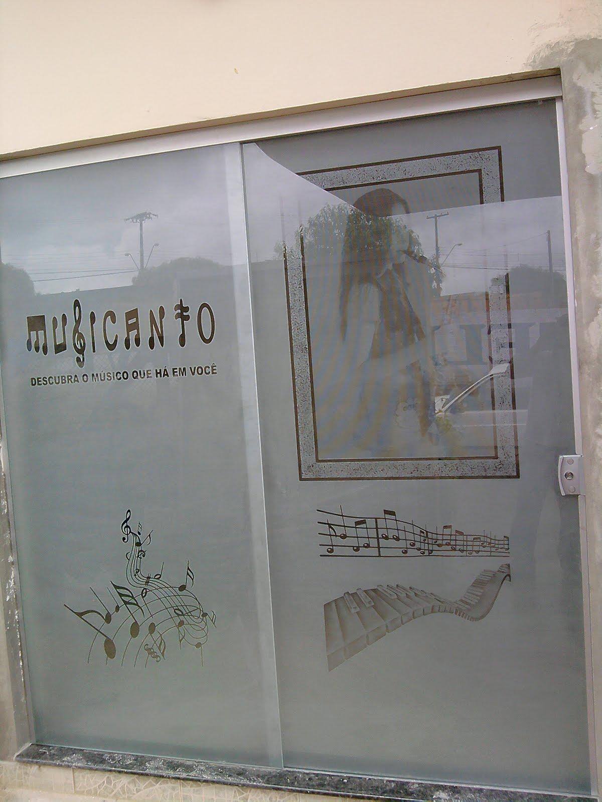 Imagens de #7D634E VIDROS JATEADOS e TEMPERADOS: FOTOS EM VIDROS TEMPERADOS 1200x1600 px 2924 Box Banheiro Goiania Jardim America