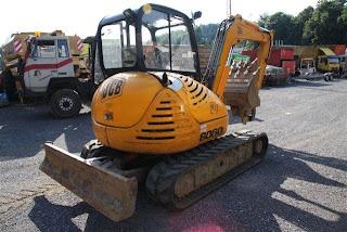 second hand 22.000 Euro mini excavator pe senile cauciuc ieftin de