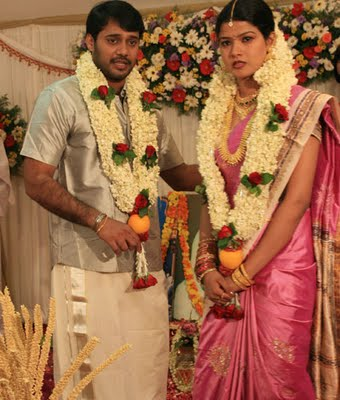 ACTOR BALA AND IDEA STAR SINGER FAME AMRUTHA SURESH MARRIED