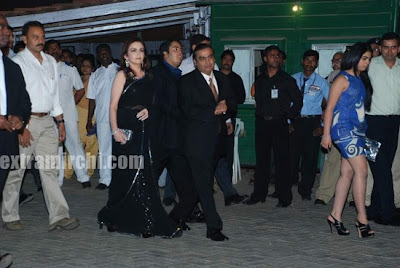 Muskesh Ambani at IPL buzzing party with his wife Nita Ambani and Iisha Ambani Pics