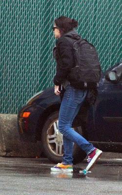 Robert Pattinson and Kristen Stewart  photo