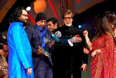 Ismail Darbar, Vindu Dara Singh, Pravesh Rana, Amitabh Bachchan, Poonam Dhillion