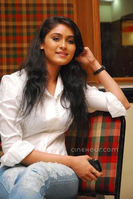 this is Biyanka Desai's nice photo gallary