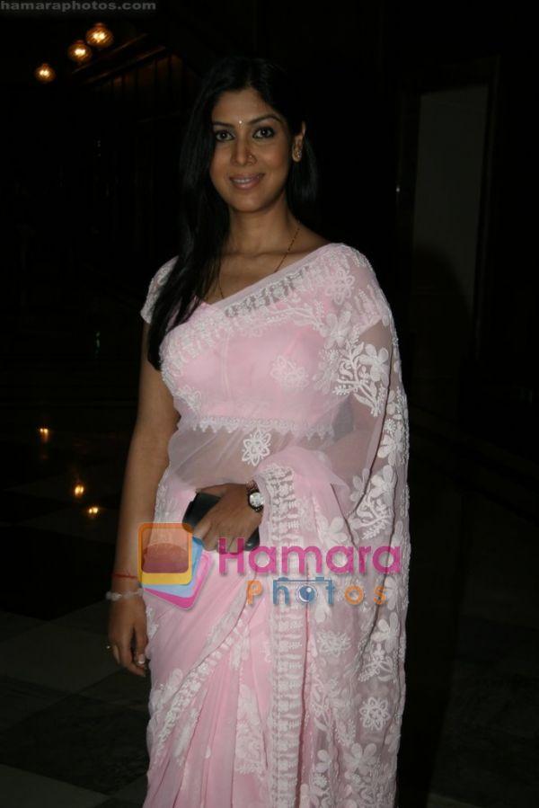 alison brie  new sexy sakshi tanwar updates