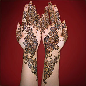 henna hand tattoo bridal